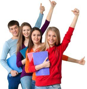 studenti contenti per sperare il test di ammissione all'università di medicina